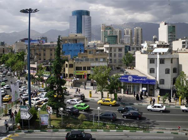 راهکاری برای رهایی از ترافیک میدان ونک