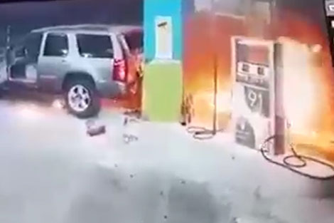 راننده ناشی پمپ بنزین را به آتش کشید!