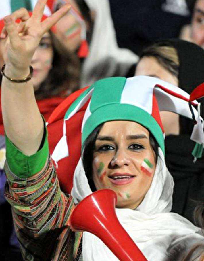 (تصاویر) اولین حضور زنان ایرانی در استادیوم آزادی