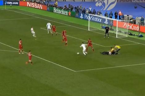 ورود ناگهانی جیمی جامپ در فینال لیگ قهرمانان اروپا