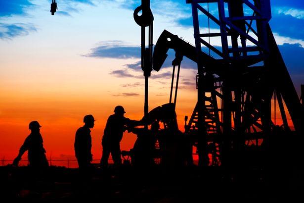 عقبنشینی ترامپ از تحریم نفت ایران