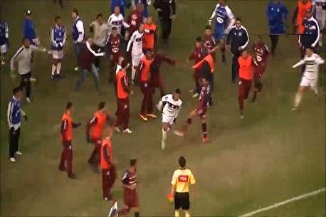 (ویدئو) کتک کاری شدید در لیگ دسته دو برزیل