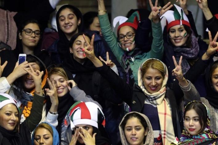 آیا آمریکا از چالشهای زنان در ایران سوءاستفاده میکند؟