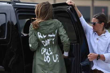 نوشته پشت لباس «ملانیا ترامپ» خبرساز شد