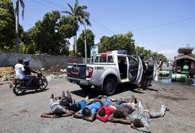 (تصاویر) تظاهرات مانع افزایش قیمت سوخت در هائیتی شد