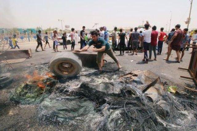 حیدر العبادی برای آرام کردن اعتراضات به بصره رفت