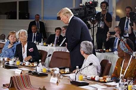 (ویدئو) عادت عجیب ترامپ در جلسات کاری