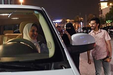 (ویدئو) اولین تجربه رانندگی زنان عربستان در قرن ۲۱