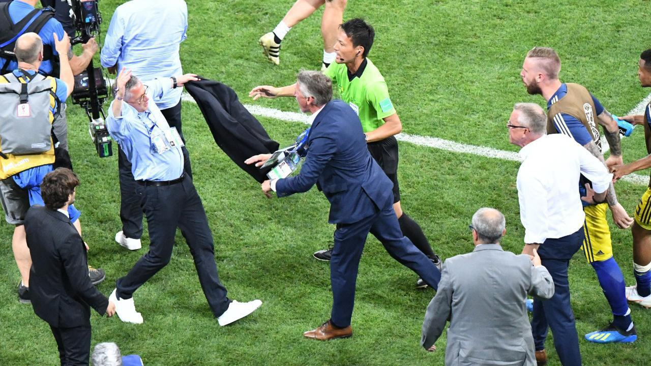جنجال بزرگ در بازی جنجالی جام جهانی