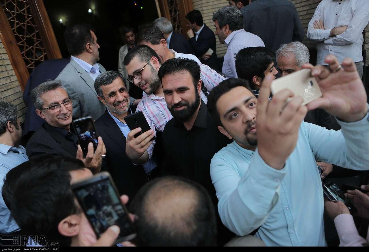 (تصاویر) حواشی و متن ختم پدر وحید حقانی