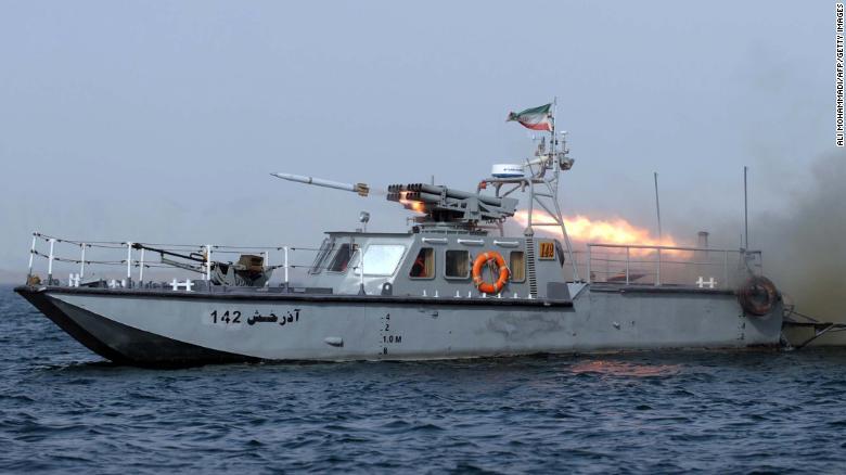 سی ان ان: ایران مانور بستن تنگه هرمز را آغاز کرد