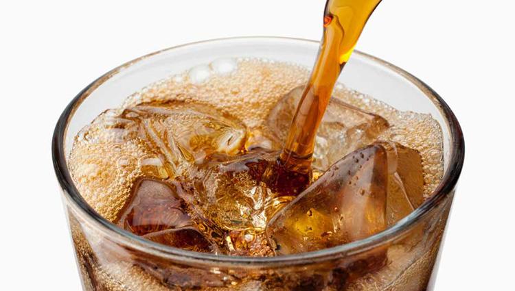 نوشیدنی رژیمی خطرناکتر از نوشابههای معمولی