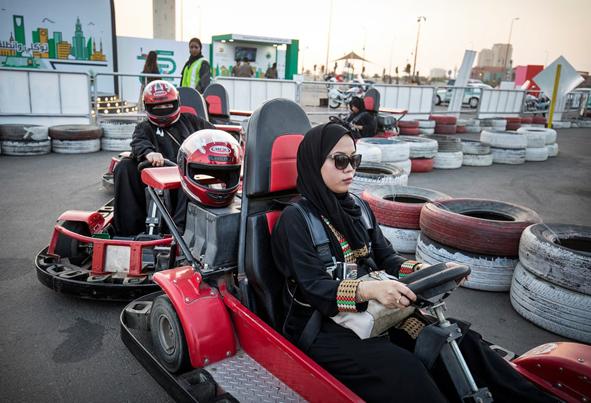 (تصاویر) روی دیگر زندگی در جده عربستان