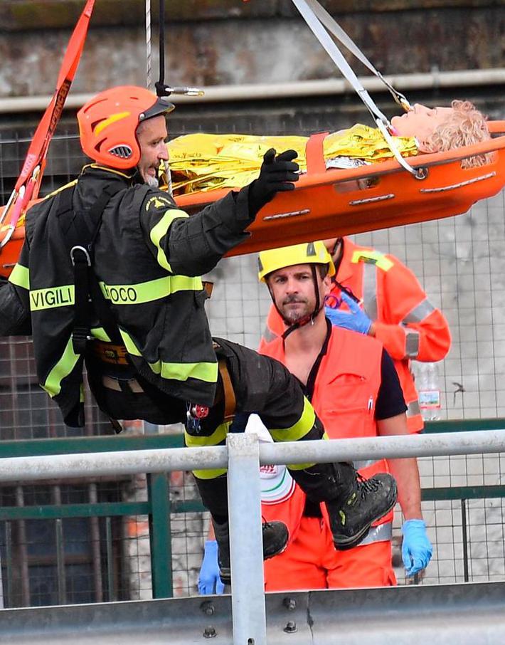 (تصاویر) سی و پنج کشته در ریزش پل هوایی جنوا