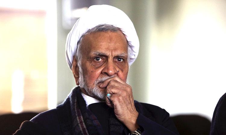 حجتی کرمانی: آقای مصباح روزنامه خواندن را اتلاف وقت میداند