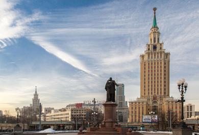 (تصاویر) هفتخواهر قد بلند استالینی در مسکو