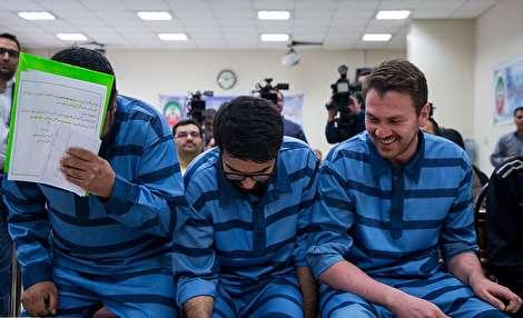 (تصاویر) خنده دههشصتیها در دادگاه مفاسد اقتصادی