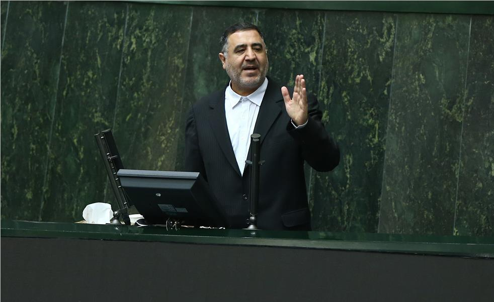محبینیا: نظارت استصوابی، پدر مجلس را درآورده است