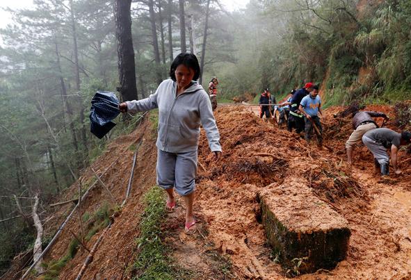 (تصاویر) ابر توفان ویرانگر سال به چین رسید