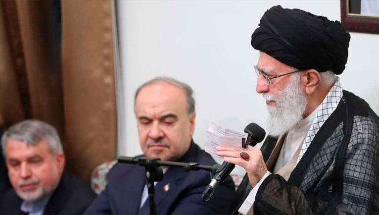 رهبر انقلاب: گوشمالی سختی به عوامل تروریست خواهیم داد