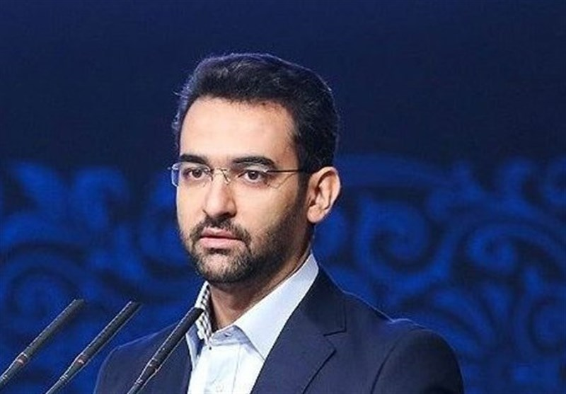 آذری جهرمی: در تهران با دوروف دیدار داشتم