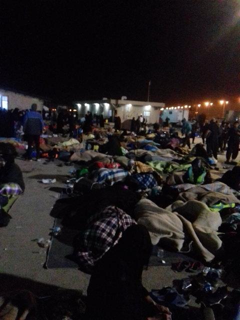 (تصاویر) سردرگمی زائران ایرانی در مرز مهران