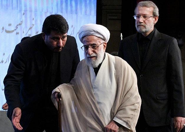 کدام یک پیروز میشود؟ علی لاریجانی یا احمد جنتی؟