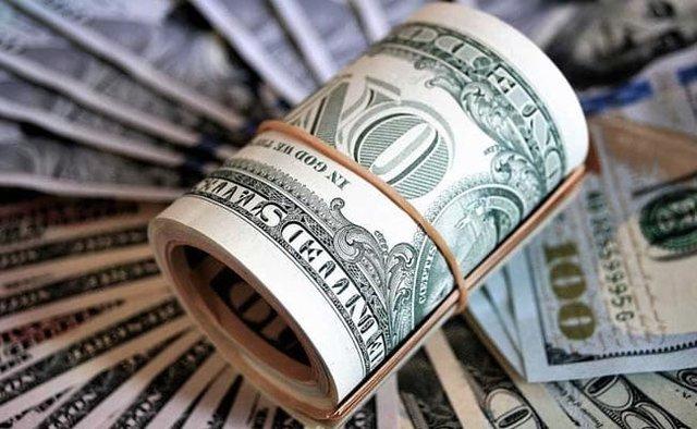 اختلاف ۲۰۰ تومانی خرید ارز در بانکها