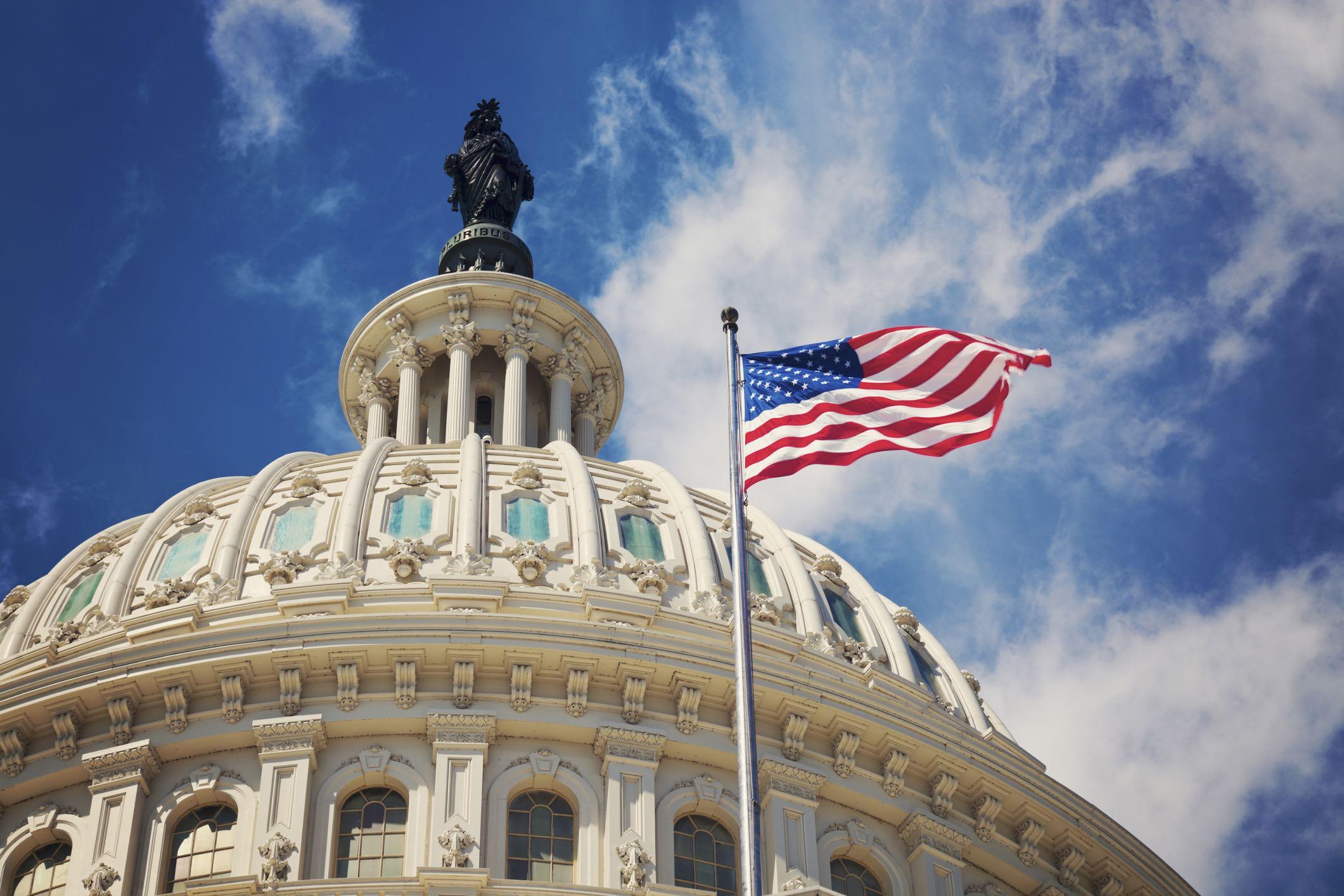 دمکراتها کنترل کنگره آمریکا را به دست گرفتند