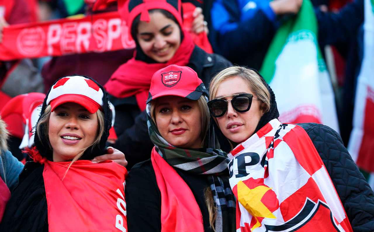(تصاویر) دختران پرسپولیسی در آزادی