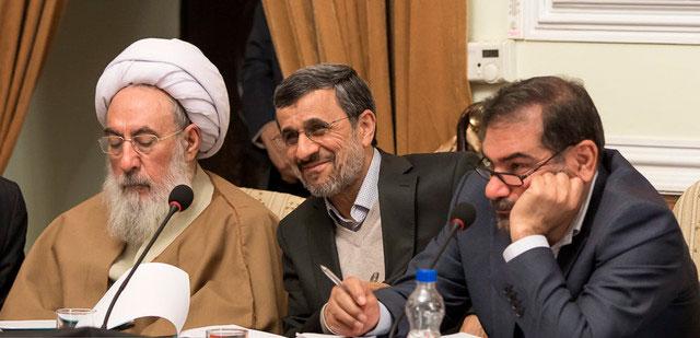 تذکر به احمدینژاد در جلسه مجمع تشخیص مصلحت نظام
