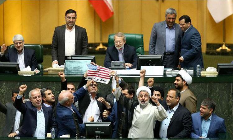 تعجب لاریجانی از مُهر محرمانه بر نامه اطلاعات سپاه