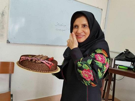 استاد اخراجی: دانشگاه آزاد پاسخگو نیست