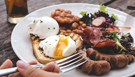 خوردن پروتئین زیاد چه تاثیری بر روی بدن میگذارد؟