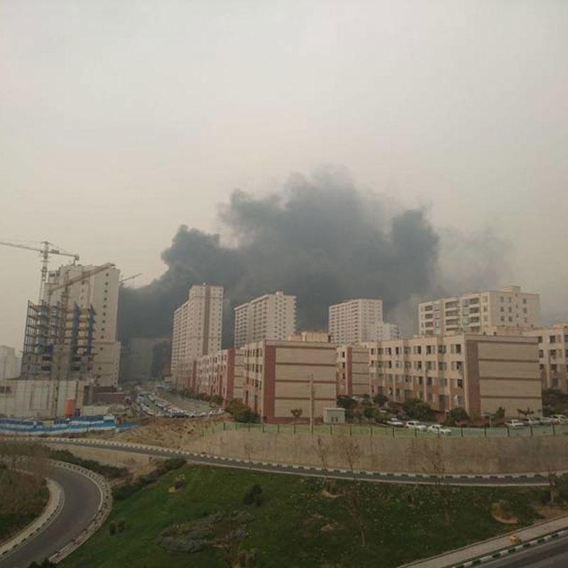 (تصاویر) آتشسوزی مرکز خرید غرب تهران