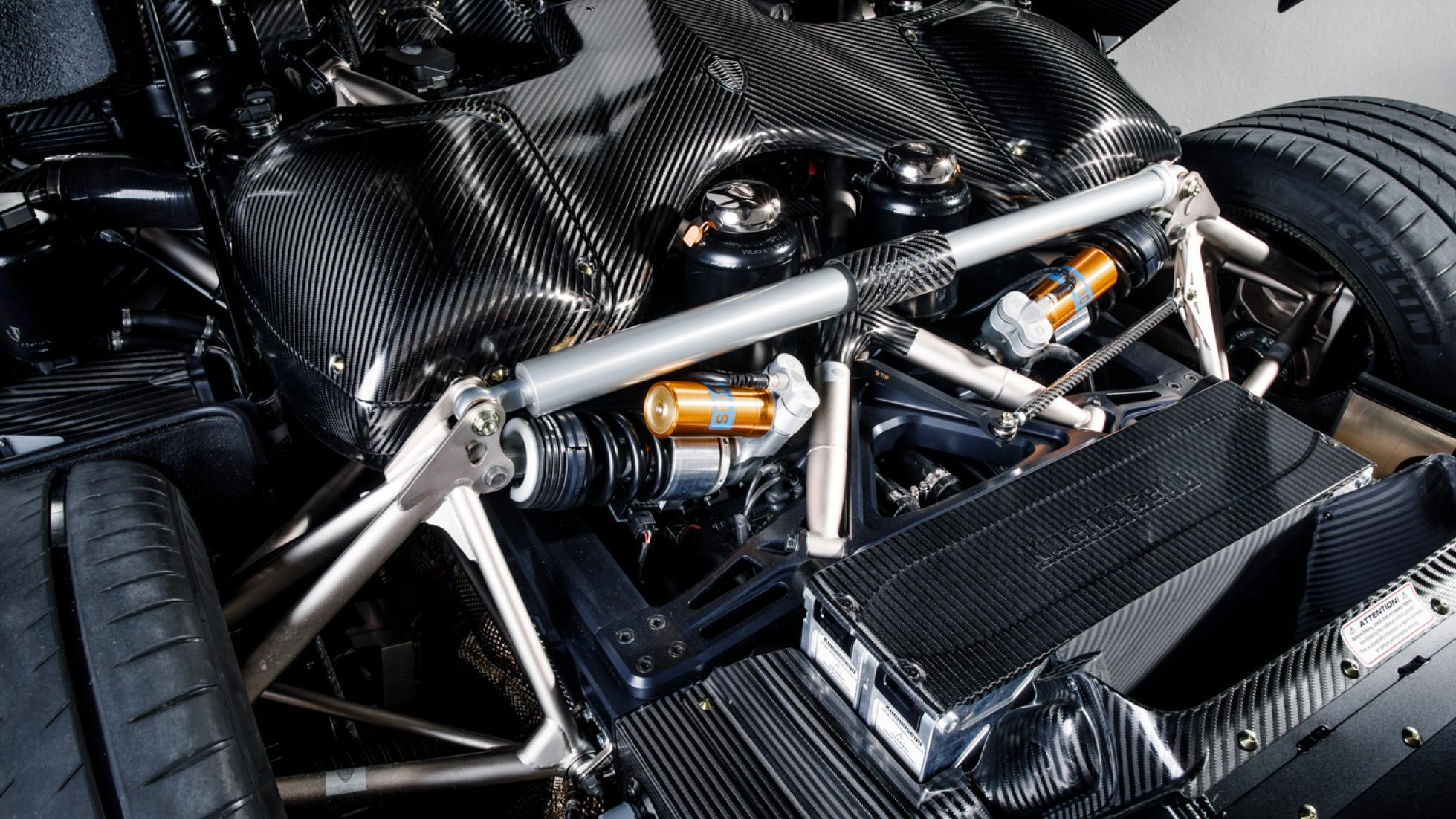 (تصاویر) خودرویی از فیبر کربن خالص