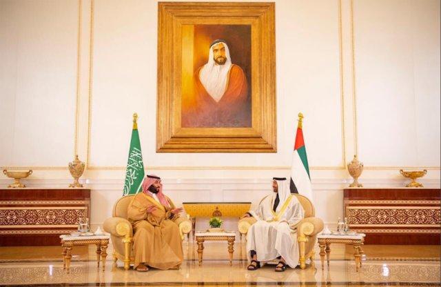 (تصاویر) دیدار محمد بن سلمان با ولیعهد ابوظبی