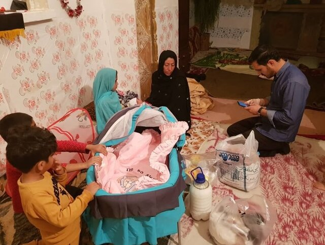 زنی که با دخترش از افغانستان گریخت