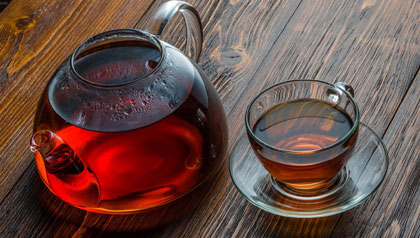 به این دلایل، چای «کهنه دم» نخورید!