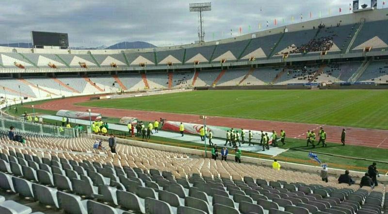 تصویری از داخل استادیوم آزادی، ۶ ساعت مانده به دربی