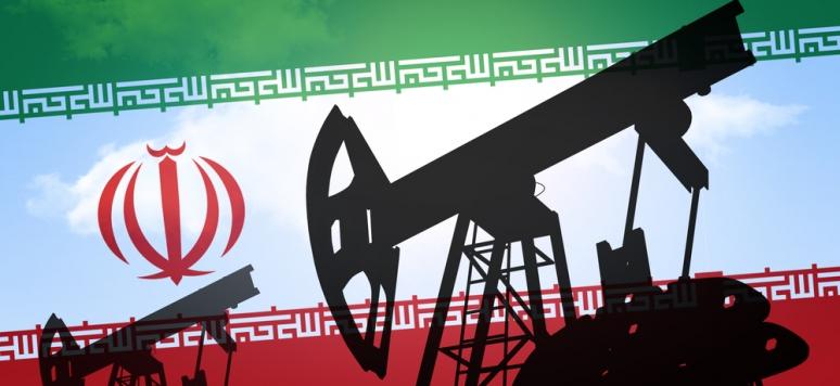 آمریکا معافیت ۴ کشور را برای خرید نفت ایران تمدید میکند