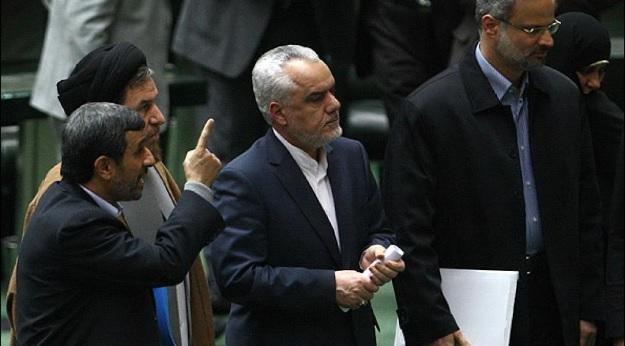 تکذیب ادعای احمدینژاد در خصوص ارتباط لاریحانی و رحیمی