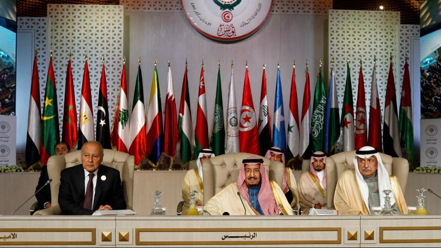 چرا امیر قطر در نشست سران اتحادیه عرب قهر کرد
