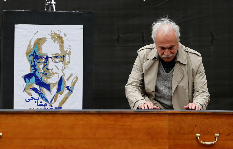 (تصاویر) چهرههای هنری و سیاسی در تشییع جمشید مشایخی