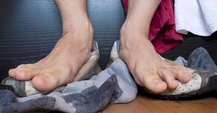 قارچ ناخنها؛ از علائم و علل تا درمانهای پزشکی و خانگی