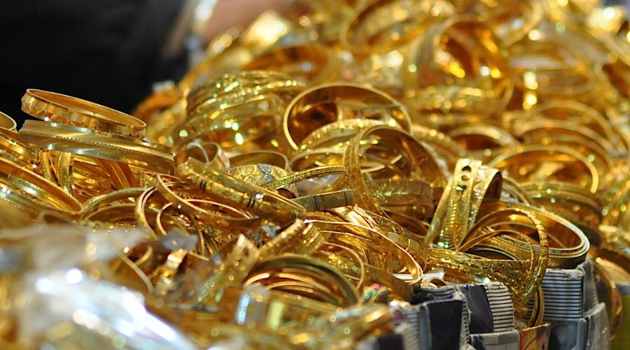 قیمت طلای 18 عیار و 24 عیار در بازار امروز دوشنبه 19 فروردین 98