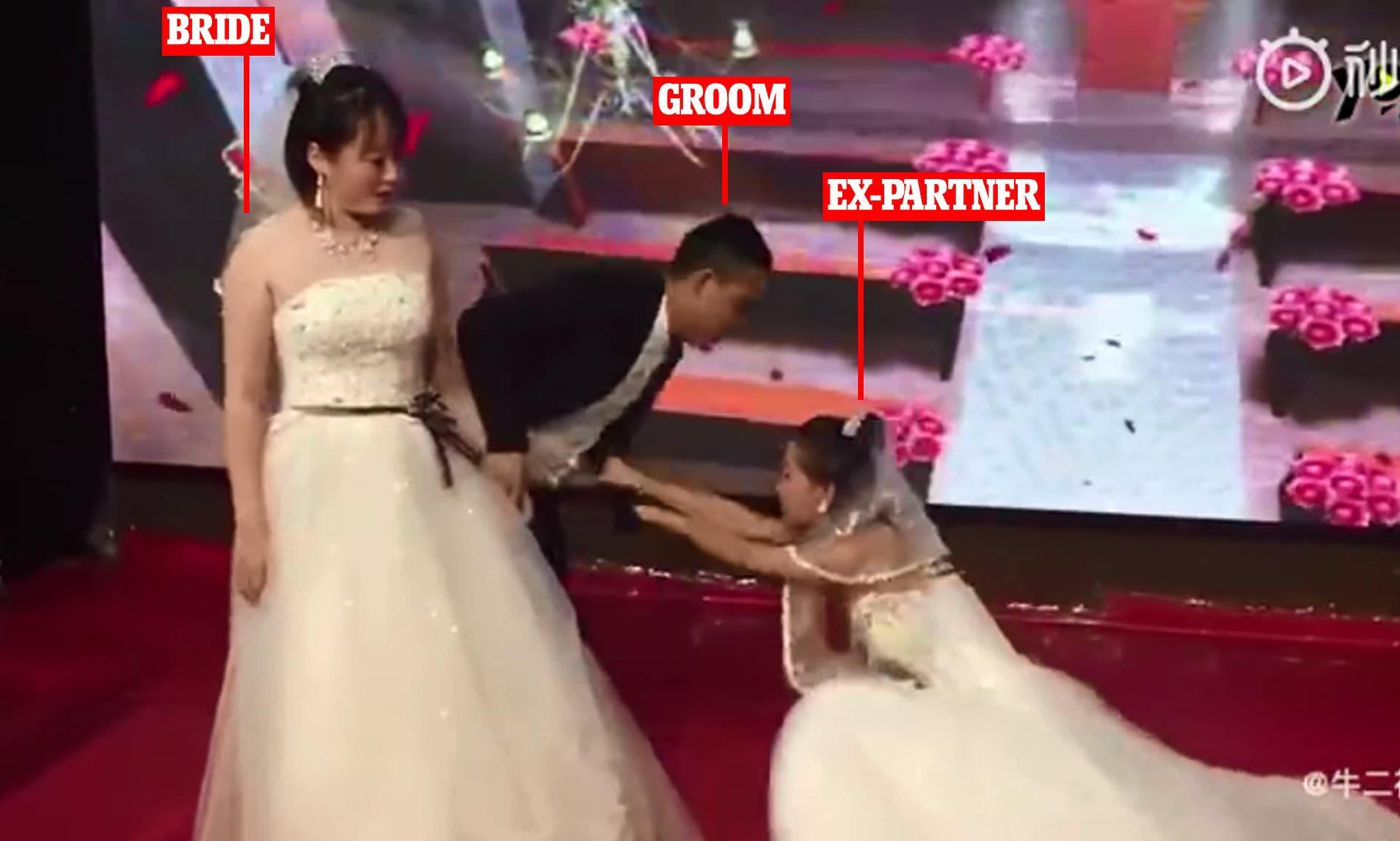 نامزد سابق مرد جوان با لباس عروسی به مراسم ازدواج او آمد!