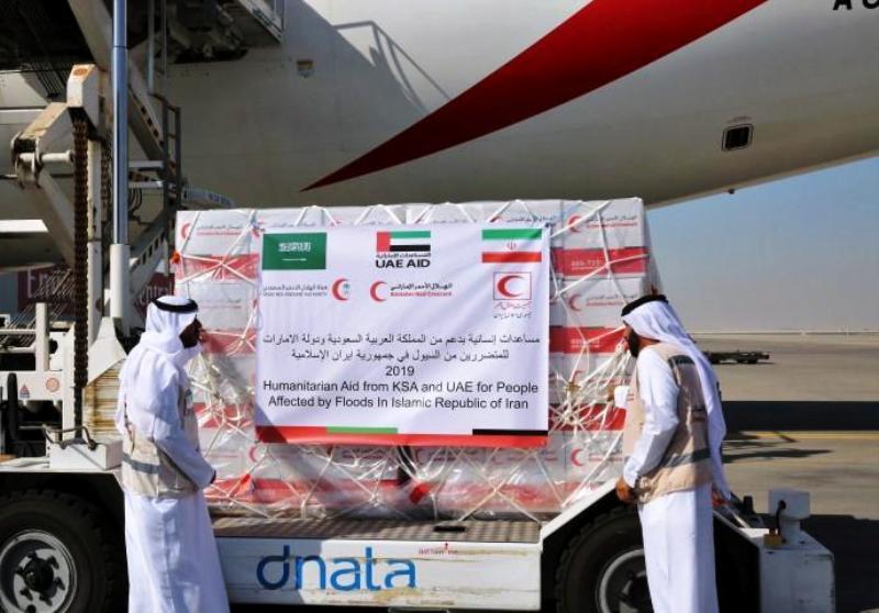کمکهای عربستان و امارات به سیل زدگان راهی تهران شد