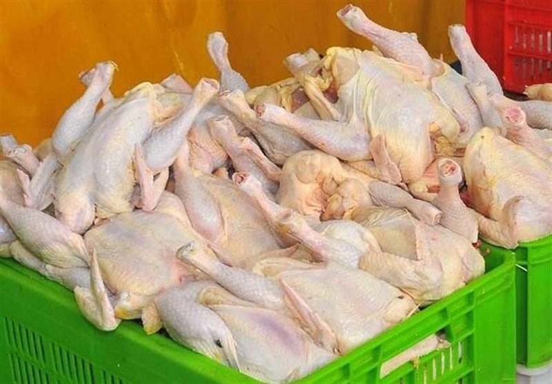 کشف ۴.۵ تن مرغ ۱۸ هزار تومانی توسط تعزیرات