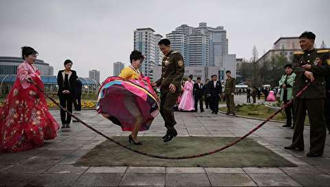(تصاویر) عروس و دامادها در کره شمالی